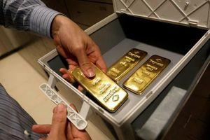 Giới nhà giàu sơ tán vàng khỏi Hong Kong vì lo ngại luật an ninh mới