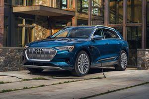 Audi e-tron 2021 rẻ hơn nhưng lại nhiều công nghệ hơn