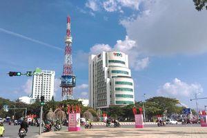 Lịch trình di chuyển của nam nhân viên Đài truyền hình VTV8 nhiễm COVID-19: Tiếp đoàn khách ở Hà Nội, ăn uống ở khách sạn Parkview, tiếp xúc với rất nhiều người