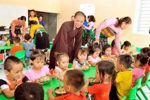 Thanh Hóa : Phật giáo xây bếp ăn cho học trò vùng cao