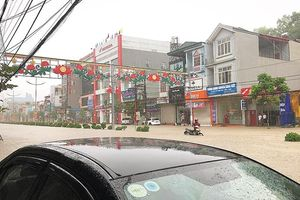 Hai người ở Điện Biên bị mưa lũ cuốn trôi