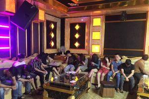 Hà Tĩnh: 13 'nam thanh nữ tú' sử dụng ma túy tại quán karaoke giữa mùa dịch