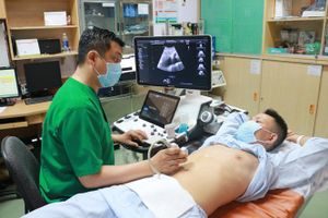 Cứu sống bệnh nhân trẻ bị phình động mạch thân tạng hiếm gặp