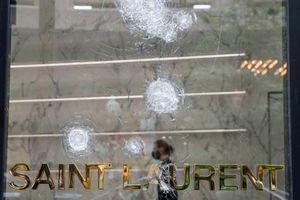 Mỹ: Hàng trăm người cướp bóc khu thương mại, cảnh sát phải nổ súng