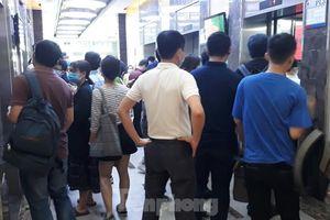 Nhiều khu chung cư ở Hà Nội lơi lỏng phòng dịch COVID-19