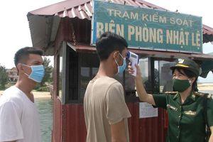 Quảng Bình: Cứu 8 thuyền viên bị chìm tàu