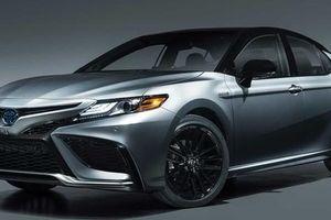 Toyota Camry bán chạy bất ngờ khi nhà nhà bỏ sedan làm SUV
