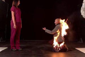 Màn cầu hôn 'rực lửa' của nam diễn viên đóng thế