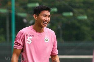 Đoàn Văn Hậu cởi bỏ nỗi buồn rời châu Âu, vui tươi ngày về Hà Nội FC