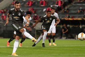 Man United: Mãi cậy nhờ penalty làm sao đoạt cúp?