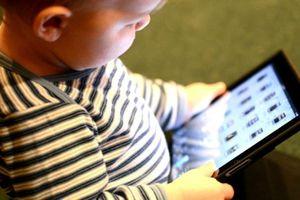 'Cai' thiết bị công nghệ cho con: Đừng biến thiết bị điện tử thành bảo mẫu