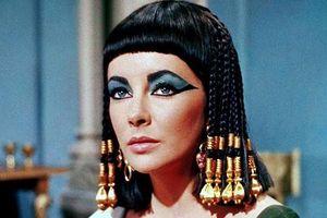 Tái tạo nước hoa của Nữ hoàng Ai Cập từ công thức 2.000 năm tuổi