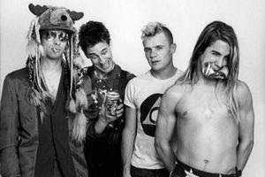 Cựu thành viên nhóm Red Hot Chili Peppers qua đời
