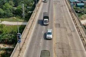 Hà Nội tạm cấm các phương tiện qua cầu Yên Sở