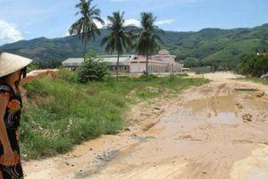 Huyện bị 'tố' treo đền bù GPMB, điều chỉnh quy hoạch đường bất thường?