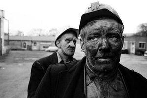 Bài học cuộc sống qua câu chuyện 2 người đàn ông chui ra từ ống khói