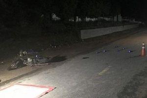 Hòa Bình: Va chạm với đầu kéo, người đàn ông đi xe máy tử vong
