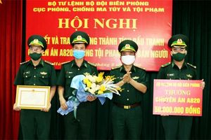 Bộ Tư lệnh BĐBP tặng Bằng khen và thưởng nóng cho Ban Chuyên án A820 và lực lượng đánh án