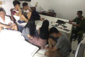 Huế: Bắt quả tang 13 nam nữ thuê khách sạn để mở 'tiệc' ma túy