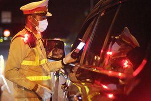 Tước bằng lái của trưởng phòng kinh tế huyện U Minh