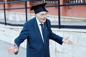 Cụ ông 96 tuổi tốt nghiệp đại học xuất sắc