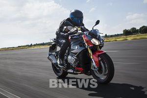 Bảng giá xe BMW Motorrad tháng 8/2020, giảm gần 100 triệu đồng