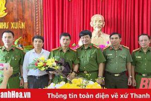 Trao thưởng cho Công an huyện Như Xuân vì thành tích xuất sắc trong công tác đảm bảo ANTT