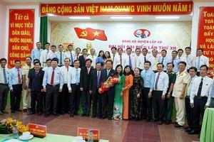 Đồng chí Trần Văn Sáu đắc cử chức Bí thư Huyện ủy Lấp Vò khóa XII, nhiệm kỳ 2020 – 2025
