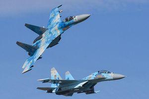 Tiêm kích Su-27 Nga chặn máy bay ném bom B-52H của Mỹ trên Biển Baltic