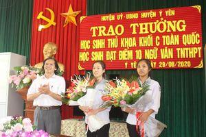 Gặp nữ sinh Nam Định đạt 10 điểm môn Ngữ văn