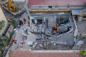 Sập nhà hàng ở Trung Quốc, ít nhất 17 người chết