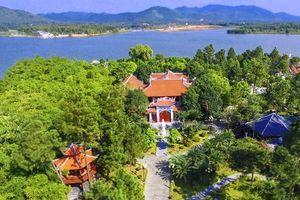 Xung quanh các dự án đang triển khai tại khu vực hồ Đại Lải (Vĩnh Phúc)