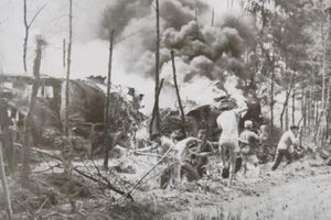 Hang Hỏa Tiễn: Nơi tuổi 20 hóa thành bất tử