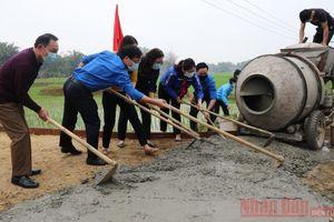 Dân vận khéo trong làm đường giao thông nông thôn