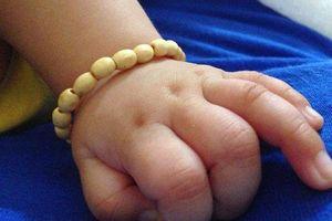 Hướng dẫn cách làm vòng dâu tằm cho bé yêu, cực đơn giản, ba mẹ nào cũng làm được