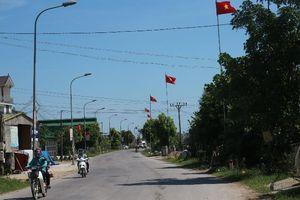 Miền quê quanh năm treo cờ Tổ quốc