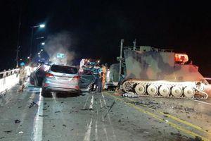 Xe bọc thép Mỹ va chạm ôtô ở Hàn Quốc