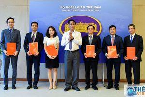 Trao Quyết định chuẩn y các chức danh Đảng ủy Bộ Ngoại giao nhiệm kỳ 2020-2025