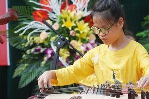 Những hình ảnh xúc động trong ngày khai giảng tại 'ngôi trường đặc biệt' ở Hà Nội
