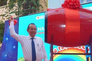 Phó Thủ tướng Trương Hòa Bình dự lễ khai giảng tại TP.HCM