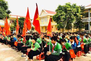 Trường tiểu học sạt lở, học sinh phải học tại trường THCS