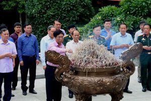 Đoàn công tác PVN dâng hương tưởng niệm Chủ tịch Hồ Chí Minh tại Khu di tích K9