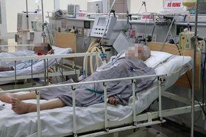 Thêm 35 người ăn pate Minh Chay đến khám tại Bệnh viện Bạch Mai