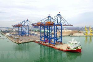 Doosan Vina bàn giao 2 cẩu trục STS khổng lồ cho cảng quốc tế Gemalink
