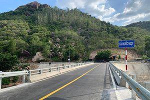 Cầu nối hai thôn Nước Ngọt và Bình Lập đã xây xong