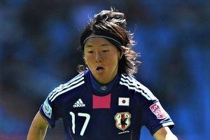 Nữ tuyển thủ Nhật Bản đầu quân cho đội bóng nam