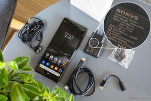 Sony Xperia 5 II: màn hình 120 Hz, Snapdragon 865 nhưng sạc 18W
