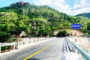 Cầu nối 2 thôn Nước Ngọt và Bình Lập đã hoàn thành