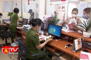 Công an quận Hoàn Kiếm đẩy nhanh tiến độ thu thập dữ liệu dân cư