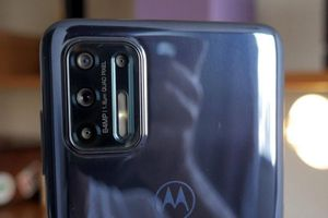 Smartphone chống nước, chip S730G, pin 5.000 mAh, sạc 30W, giá gần 11 triệu